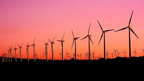 Windfarm1-pexels-narcisa-aciko-1292464